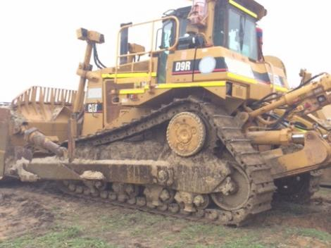Side view Cat D9T Bulldozer
