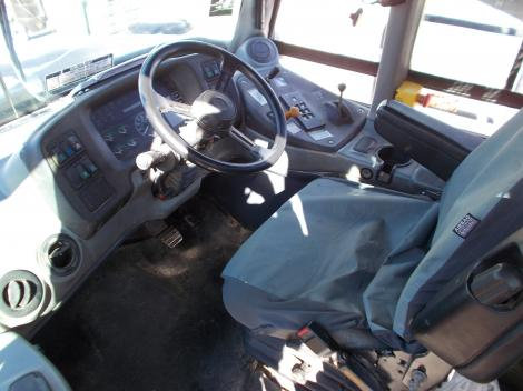 Hitachi AH400D Interior