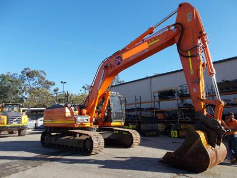 Doosan DX300LC Long Shot Arm Bent
