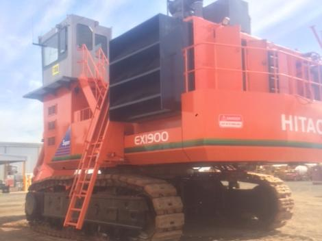 Hitachi EX1900-5 From the Back