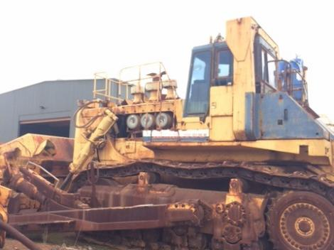 Komatus D575-2 Bulldozer Side
